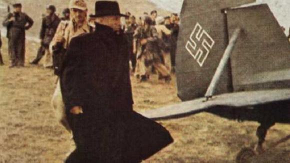Mussolini prchá z Itálie