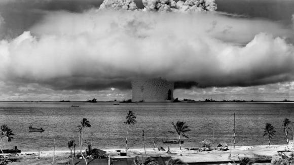 Podvodní detonace 15 kilotun jaderné zbraně