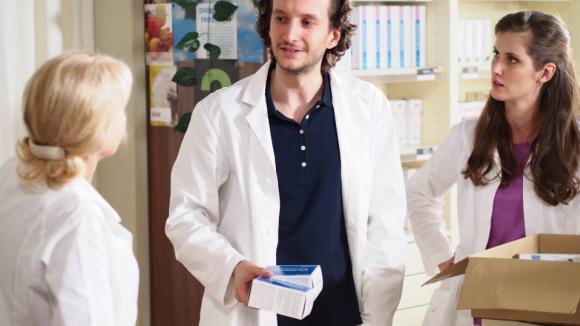 Václav Jílek se představí v roli mladého anadšeného lékárníka Adama.