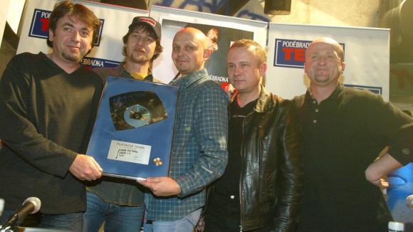 Slovenská skupina Team... bubeník Ivan Marček první zprava zemřelna infarkt...