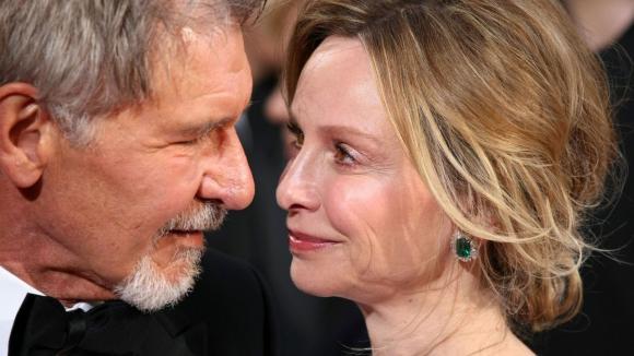 Dědeček Harrison Ford a babička Calista Flockhart na Oscarech. Podívejte se jak společně s Oscary stárne tento pár. Ale jsou stále jak hrdličky.
