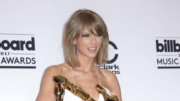 Tak mladá a už tak úspěšná. Taylor Swift je nejvlivnějším umělcem.