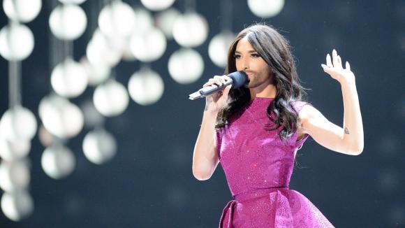 Vousatá zpěvačka bodovala na soutěži Eurovize.