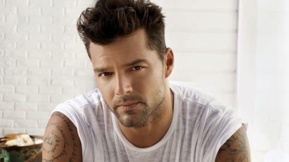 Přiznání: Gay Ricky Martin šikanoval homosexuály