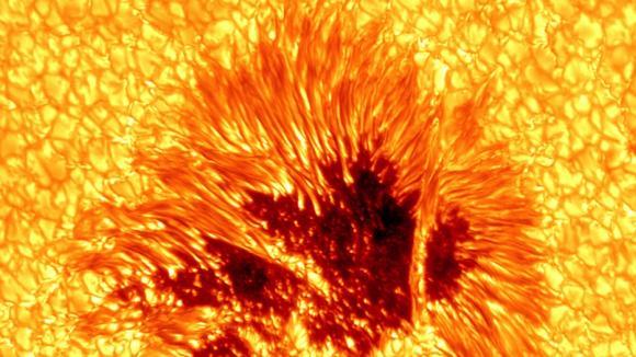 Erupce na Slunci 2013