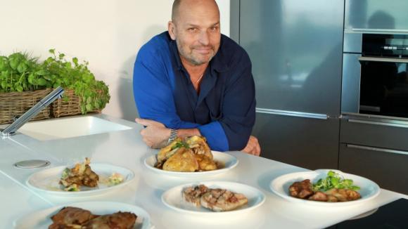 V 11. dílu své školy vaření v domácí kuchyni představí Šéf lahůdky z drůbežího masa.