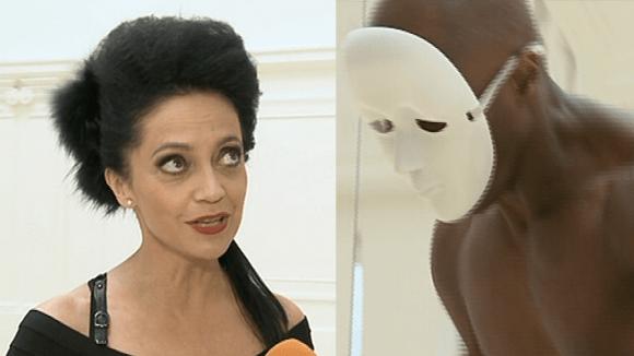 Video VIP zprávy: Lucie Bílá a černobílý tanečník