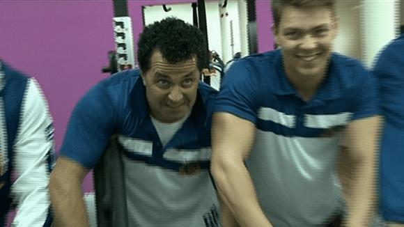 Video VIP zprávy: Martin Dejdař dře v posilovně. A baví ho to!
