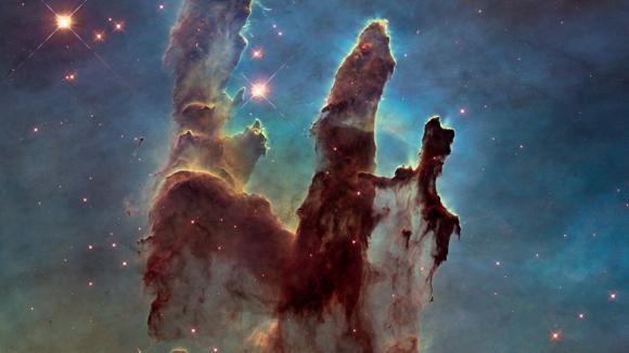 Nová fotografie Pilířů stvoření