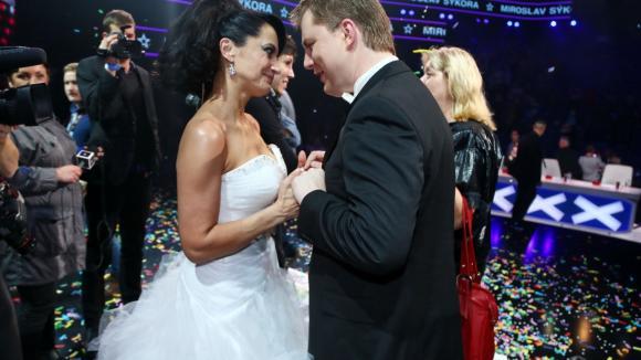 Lucie šla také Mirovi pogratulovat...