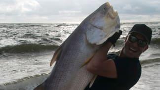 Lovec rybích obrů