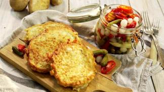 Křenové bramboráčky plněné syrečkem