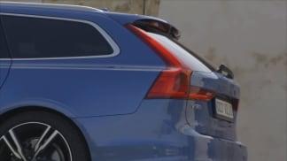 Baumaxa trhá automobilové repráky