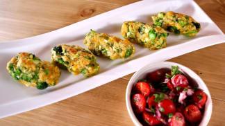 Brokolicové krokety s rajčatovým salátem