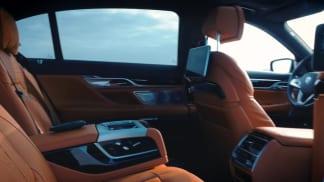 V říší luxusu. Prohlédněte si interiér limuzíny od BMW