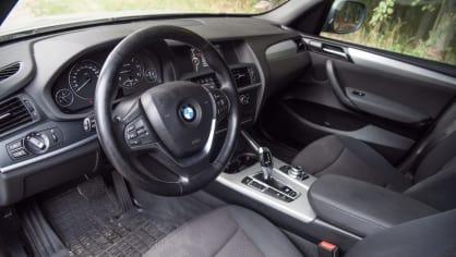 BMW X3 xDrive20d interiér 2