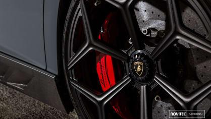 Lamborghini Aventador LP 750-4 SV Roadster od Novitec 6