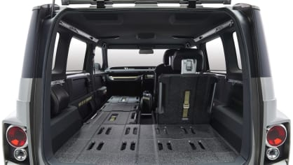 Dodávka i SUV. Toyota Tj Cruiser Concept. 9
