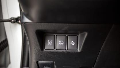 Toyota Yaris 1.5 VVT-iE interiér 10