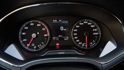 SEAT Ibiza FR 1.0 TSI interiér 2