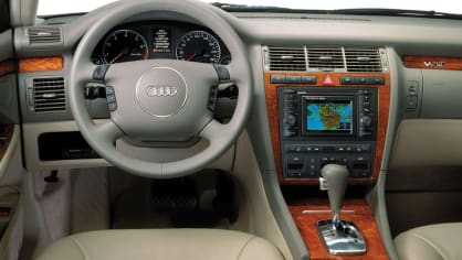 Audi A8 první generace 7