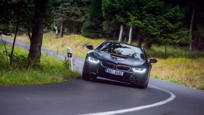 Provětrali jsme hybridní BMW i8 v edici Protonic Frozen. 3