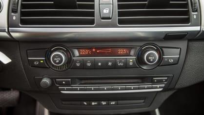 BMW X5 xDríve30d interiér 5