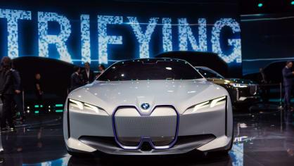 Působivé koncepty BMW na stánku ve Frankfurtu 10