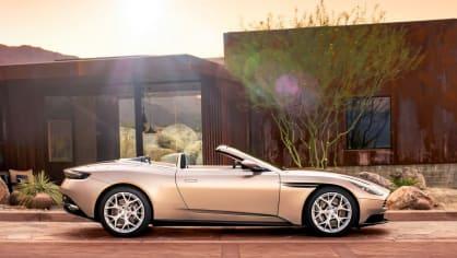 Nádherný roadster Aston Martin DB11 Volante. 9