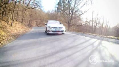 Obojživelník VW Golf GTI 2