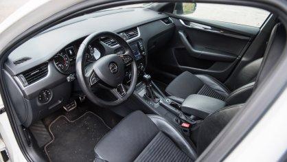 Škoda Octavia RS TDI interiér 3