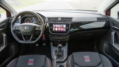 SEAT Ibiza FR 1.0 TSI interiér 11