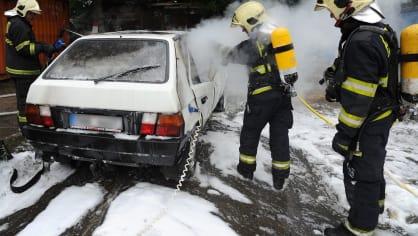 Požár zničil elektrickou Škodu Favorit 4