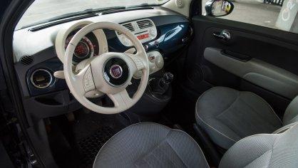Fiat 500 1.4 16v interiér 1