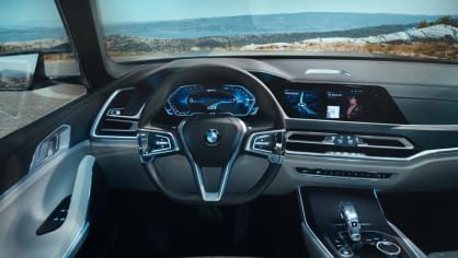 BMW Concept X7 iPerformance 17