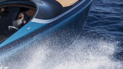 Aston Martin nabízí luxusní jachtu AM37 i ponorku Neptune. 4