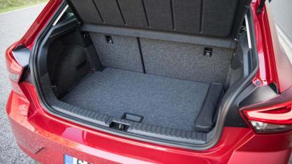SEAT Ibiza FR 1.0 TSI interiér 8