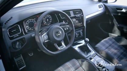 Interiér VW Golf GTI