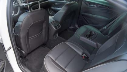 Opel Insignia Grand Sport 2.0 Turbo 4x4 interiér 4