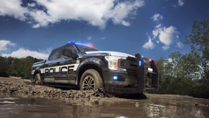 Působivý offroad Ford F-150 v policejním provedení. 4