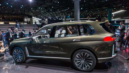 Působivé koncepty BMW na stánku ve Frankfurtu 26
