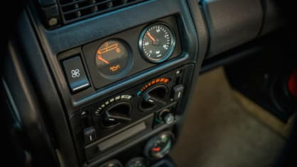 Renault 5 Turbo ve vzácné verzi Evolution. 33