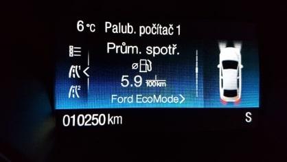 Ford Kuga  Titanium 1,5 TDCI 6