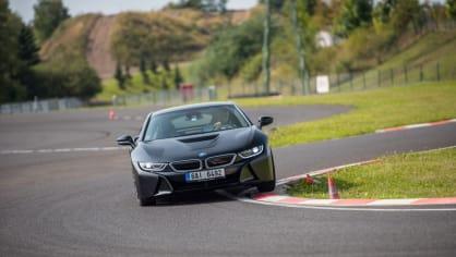Provětrali jsme hybridní BMW i8 v edici Protonic Frozen. 10