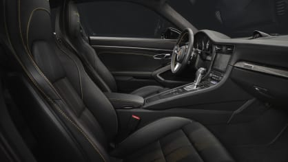 Zlaté Porsche 911 Turbo S Exclusive 4