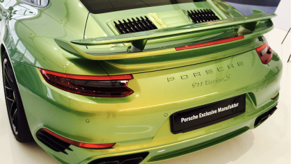 Porsche 911 Turbo S Exclusive Green 2