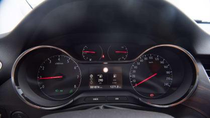 Opel Crossland X interiér 5
