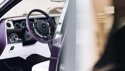 První Rolls-Royce Phantom už je na prodej. Fialový s bílou kůží 8