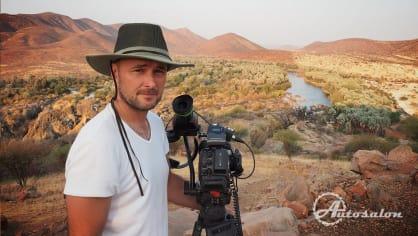 Kameraman Honza nad vodopády u angolské hranice