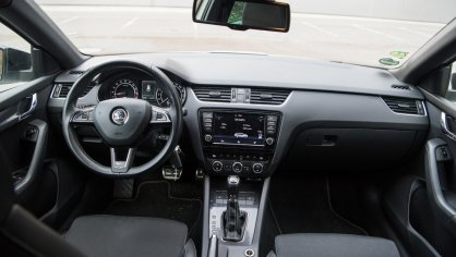 Škoda Octavia RS TDI interiér 5
